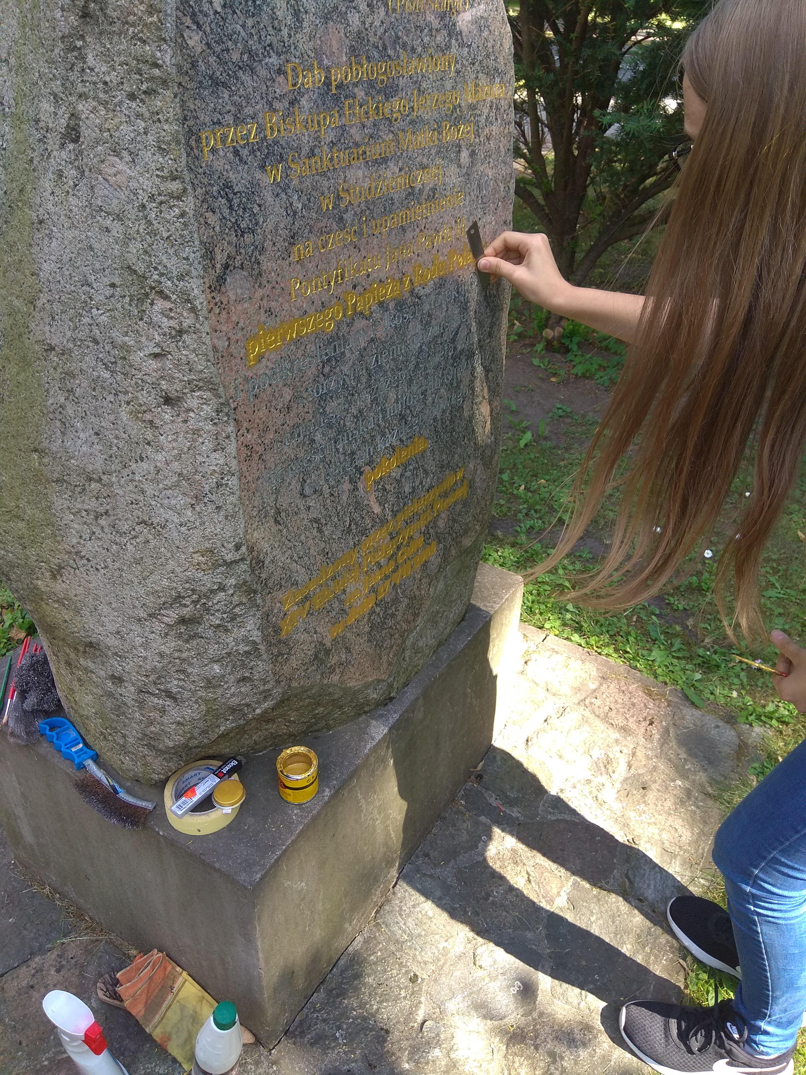 witraż i kamień z red 003
